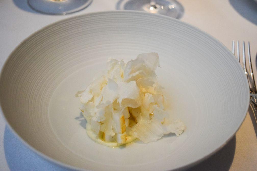 L'Assiette Blanche, l'un des plats signatures du restaurant © Yonder.fr