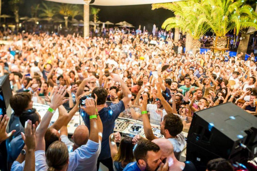 Solomun devant un public conquis pour son outdoor party à Destino © Destino