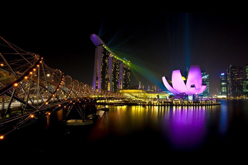 Vue spectaculaire sur Marina Bay Sands de nuit | Avec l'aimable autorisation de ##Grafixen@@http://www.flickr.com/grafixen