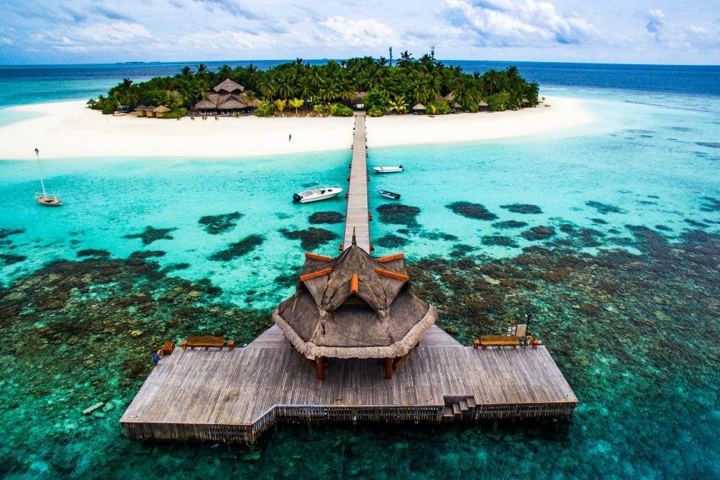 Le récif qui entoure l'île de couleurs flamboyantes est réputé pour compter parmi les plus merveilleux des Maldives © DR
