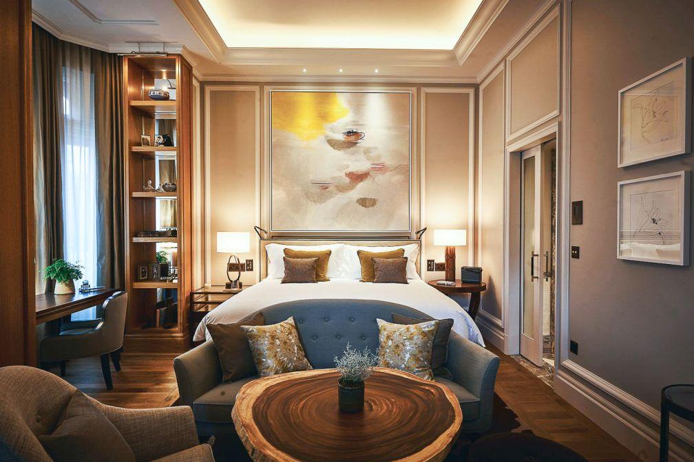 Au Cardogan, chaque suite dispose d'un spacieux salon, d'une salle à manger et de cheminées. © Belmond