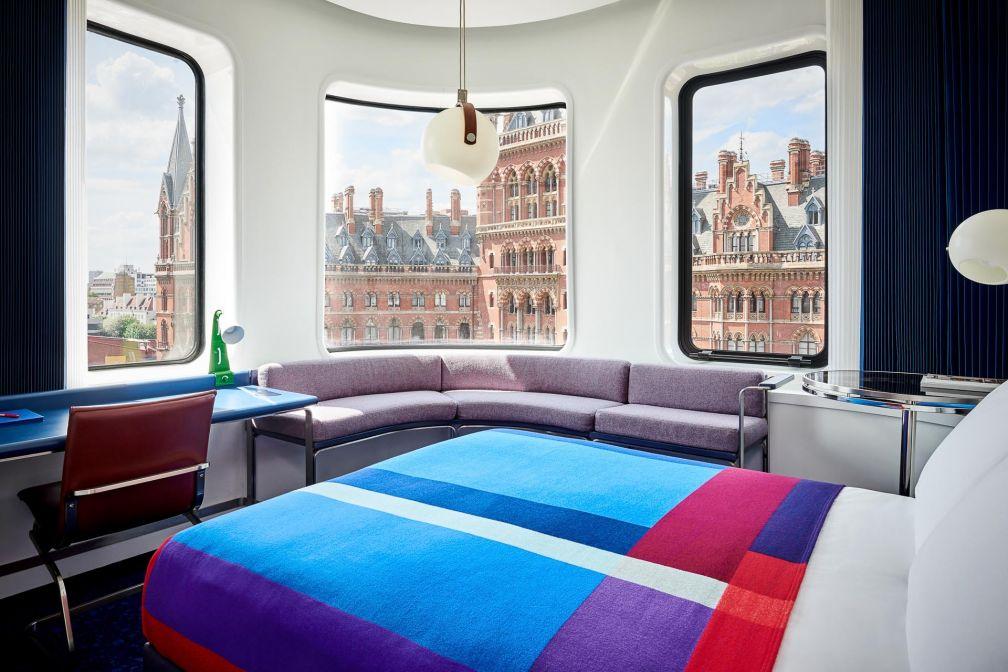 Chaque chambre offre une vue saisissante sur la magnifique façade de Saint Pancras.