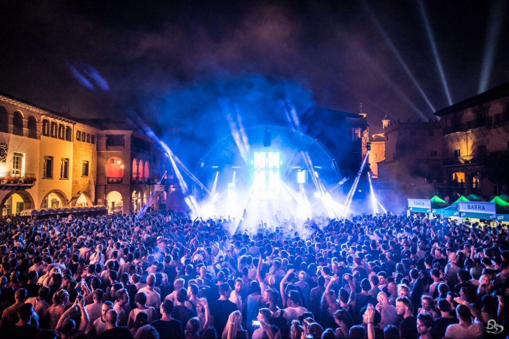 La Plaza Mayor du Poble Espanyol, l'un des lieux majeurs des fêtes du festival IR BCN | © GBK.Photos
