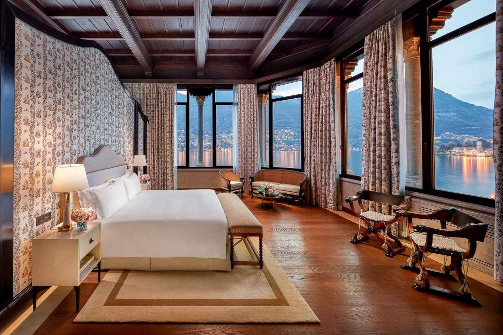 Le premier étage de la Villa Roccabruna abrite la Penthouse Suite, sans doute la plus romantique de toutes © DR