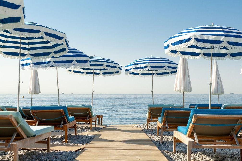L'Amour à la plage, la plage privée de l'Hôtel Amour Nice installée au numéro 47 de la Promenade des Anglais © DR