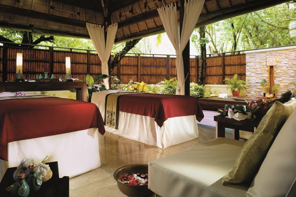 Le jardin et ses pavillons en bambou abritent le Spa Banyan Tree © Pierre Gunther
