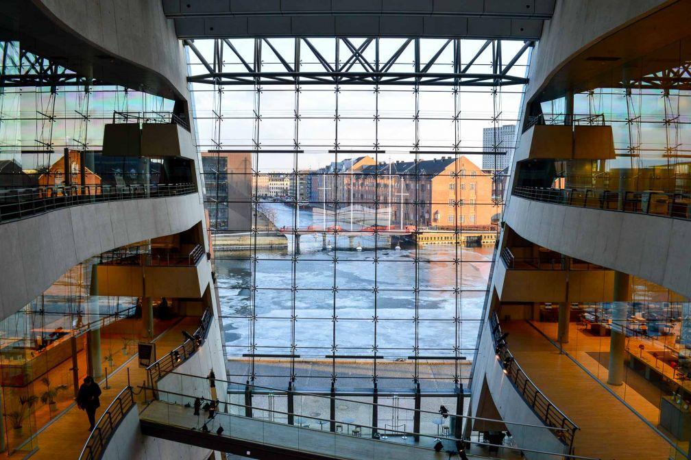 La modernité de l'architecture danoise se ressent dans chaque bâtiment, ici la Bibliothèque Royale. © Pierre Gunther.