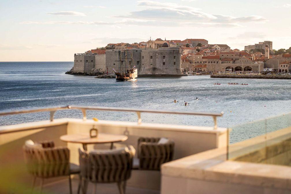 Terrasse avec vue à l'Abakus Piano Bar de l'Hotel Excelsior Dubrovnik © DR