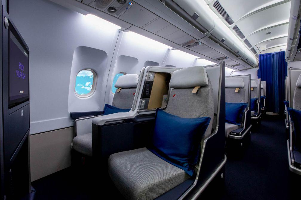 À l'intérieur de la nouvelle cabine Business des A330 d'Air France © DR