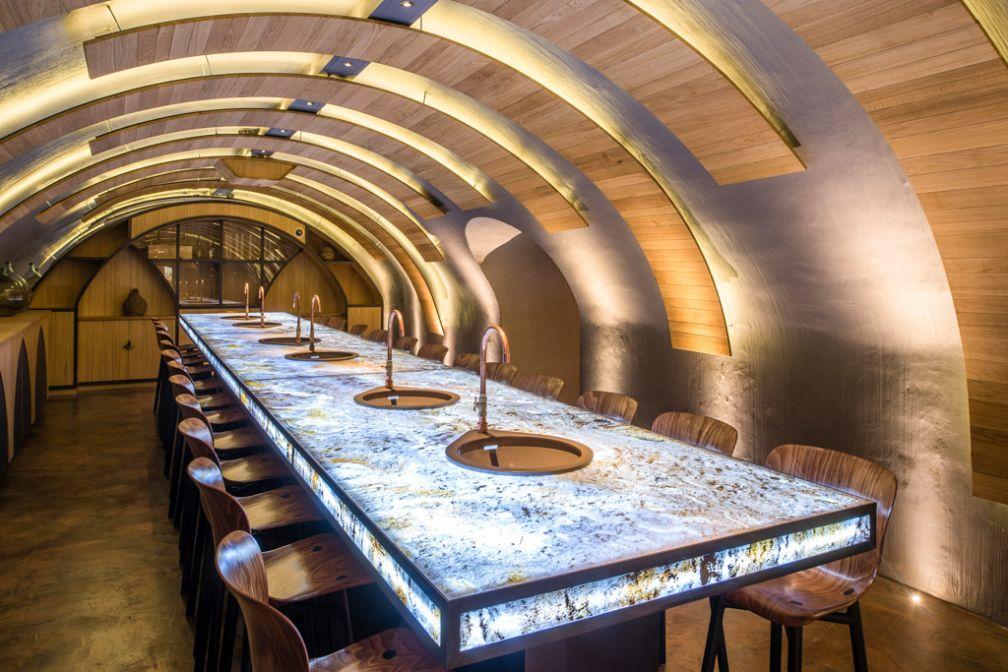 On a testé l\'atelier de création de vin des Caves du Louvre