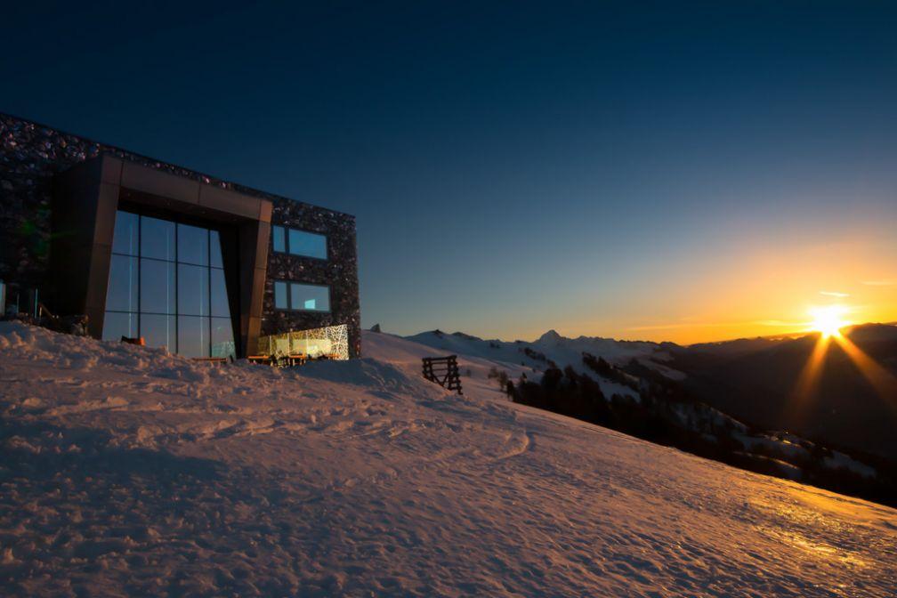 Coucher de soleil sur l'hôtel © Chetzeron
