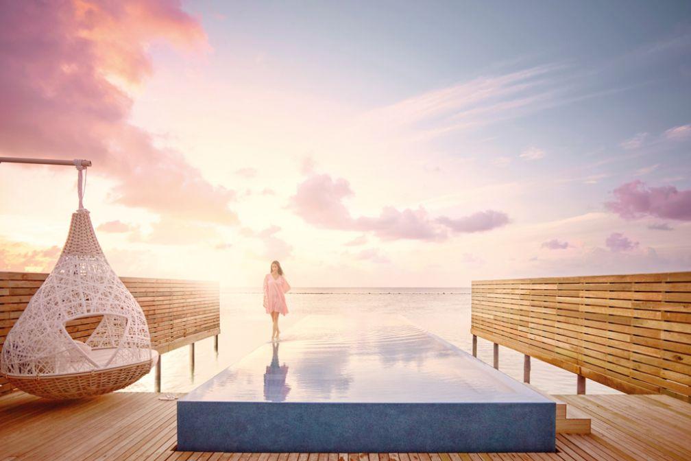 Les Temptation Villas du LUX* South Ari Atoll aux Maldives proposent de spectaculaires piscines à débordement surplombant l'Océan Indien © LUX* Resorts