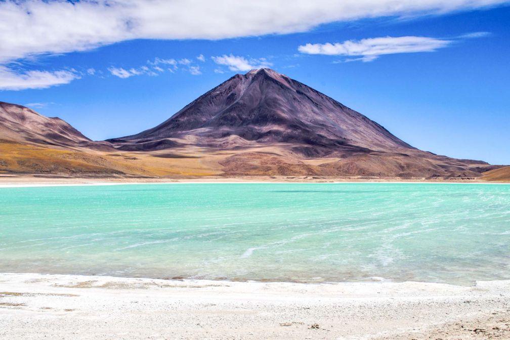 Les couleurs spectaculaires de la laguna Verde, au sein de la réserve nationale de faune andine Eduardo Avaroa © CC ##David Almeida@@http://bit.ly/2usPSIm