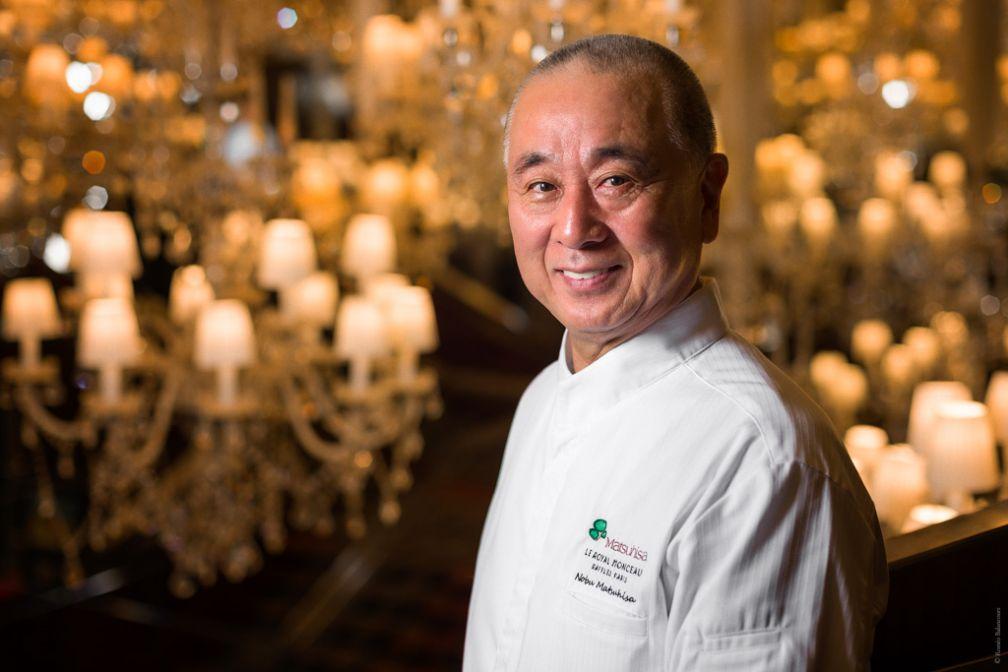 Le chef japonais Nobu pose au Royal Monceau, sa nouvelle