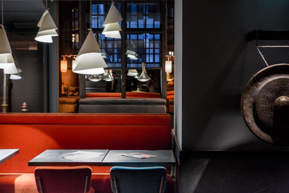 Le décor de Spoon, signé Wilmotte & Associés, est l'un des points forts du lieu © Pierre Monetta
