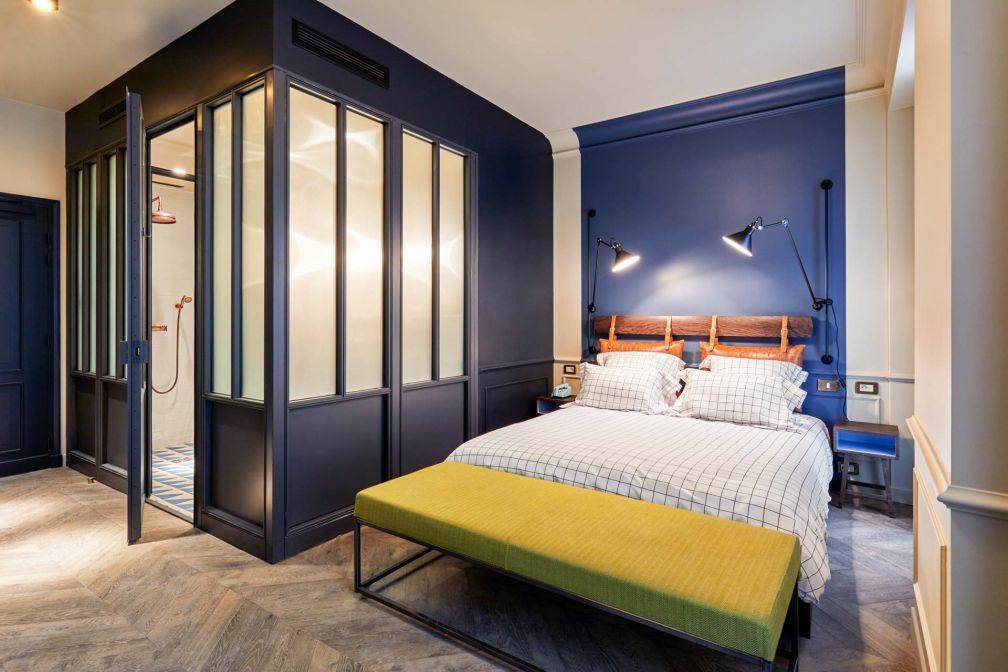 Chambre de l'hôtel The Hoxton Paris, qui vient d'ouvrir ses portes dans le Sentier © Alan Jensen