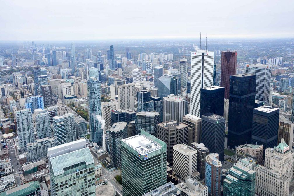 Vue sur Toronto depuis le haut de la tour CN, haute de 553,33 mètres et située dans le centre de Toronto © Camille Hispard
