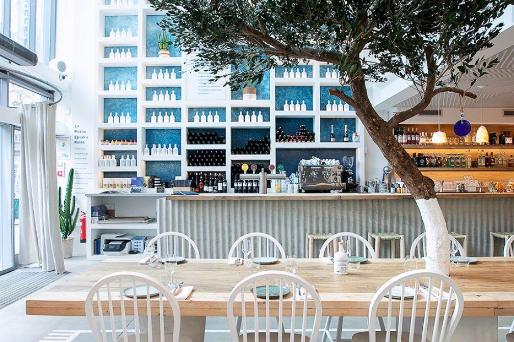 L'intérieur de Yaya Restaurant évoque la terrasse d''un village du Péloponnèse © Benedetta Chiala