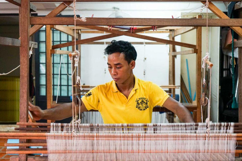 Dans l'atelier de confection d'Eric Raisina à Siem Reap © YONDER.fr