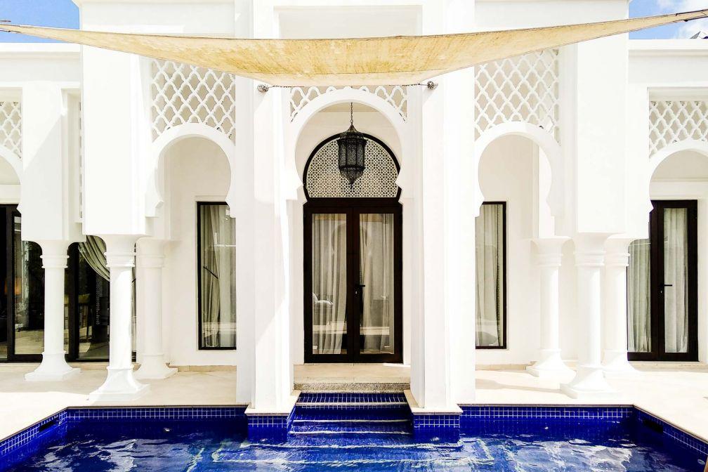 Au Banyan Tree Tamouda Bay, Chaque chambre de l'hôtel comporte sa propre piscine et salon extérieur © Alix Laplanche