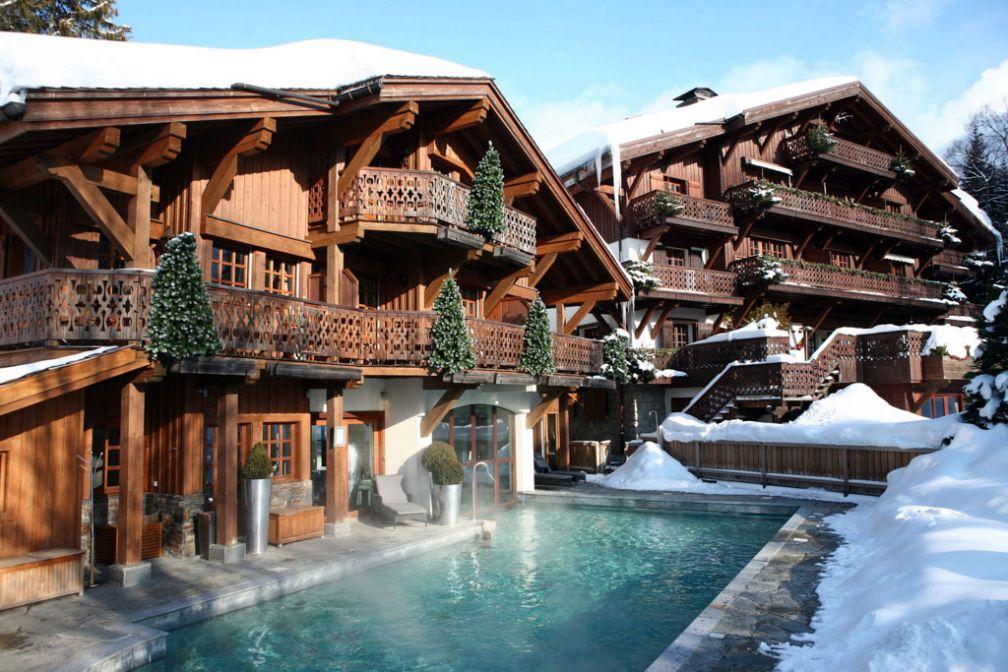 Le Chalet du Mont d'Arbois dispose d'une très agréable piscine extérieure chauffée © Domaine du Mont d'Arbois