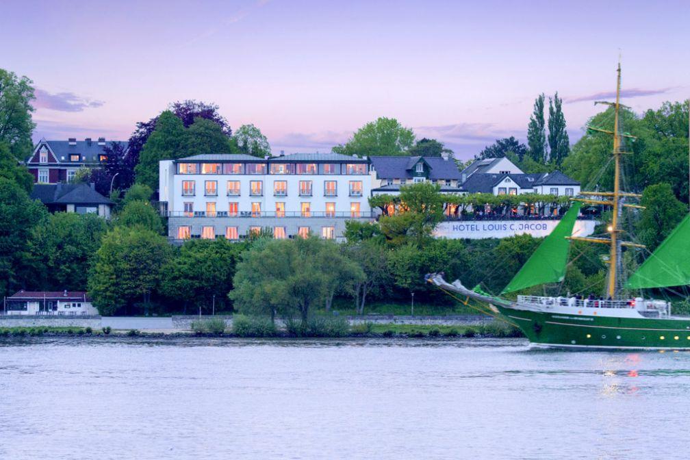 Le Louis C. Jacob surplombe le fleuve Elbe depuis la fin du XVIIIème siècle © Hotel Louis C. Jacob