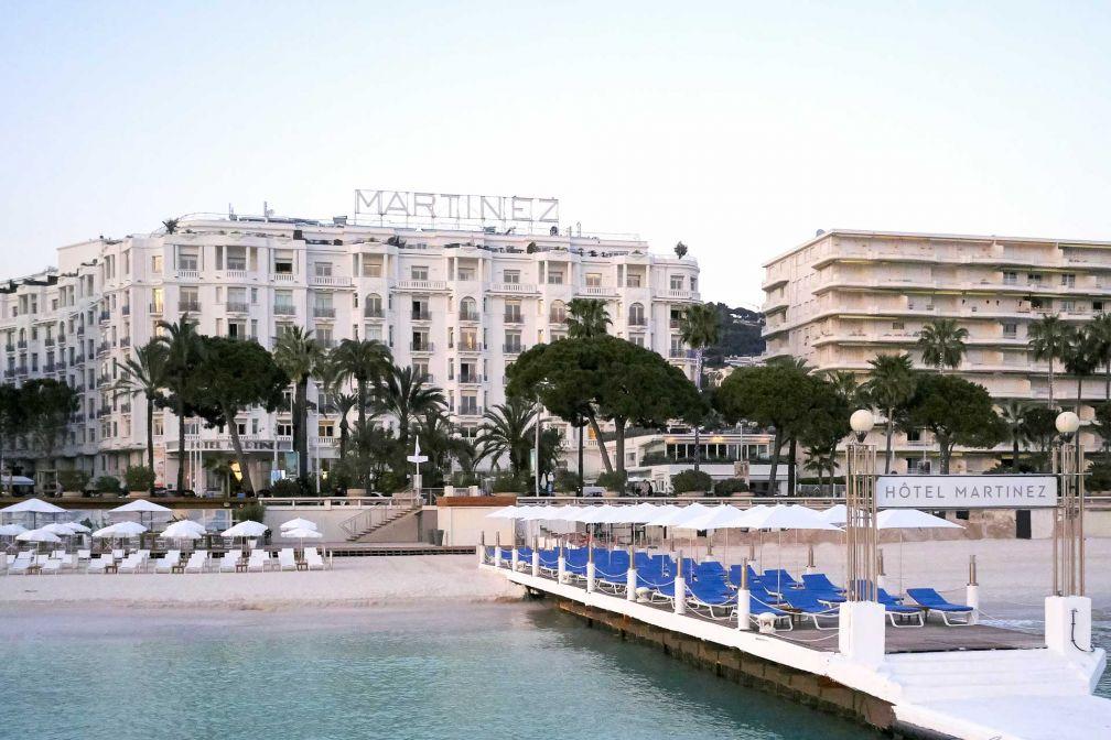 La célèbre plage du Martinez, sur la Croisette de Cannes © JF Romero
