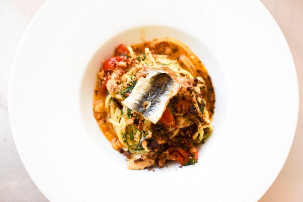 Spaghetti al grano duro con Sarde, finocchietto e mollica 'atturrata'