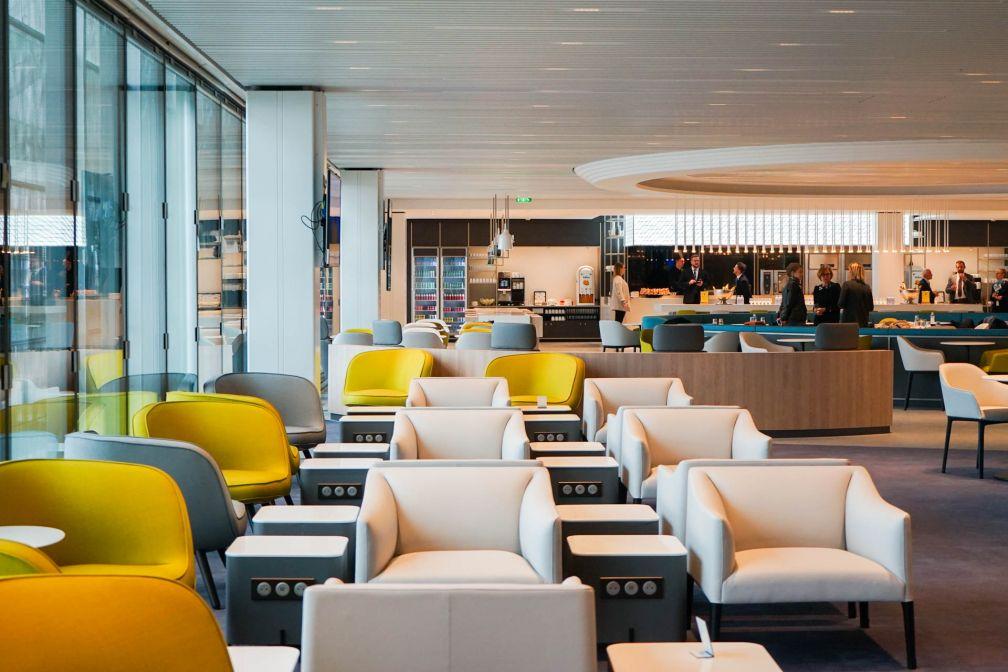 Un immense espace lounge est à la disposition des voyageurs du nouveau salon © YONDER.fr