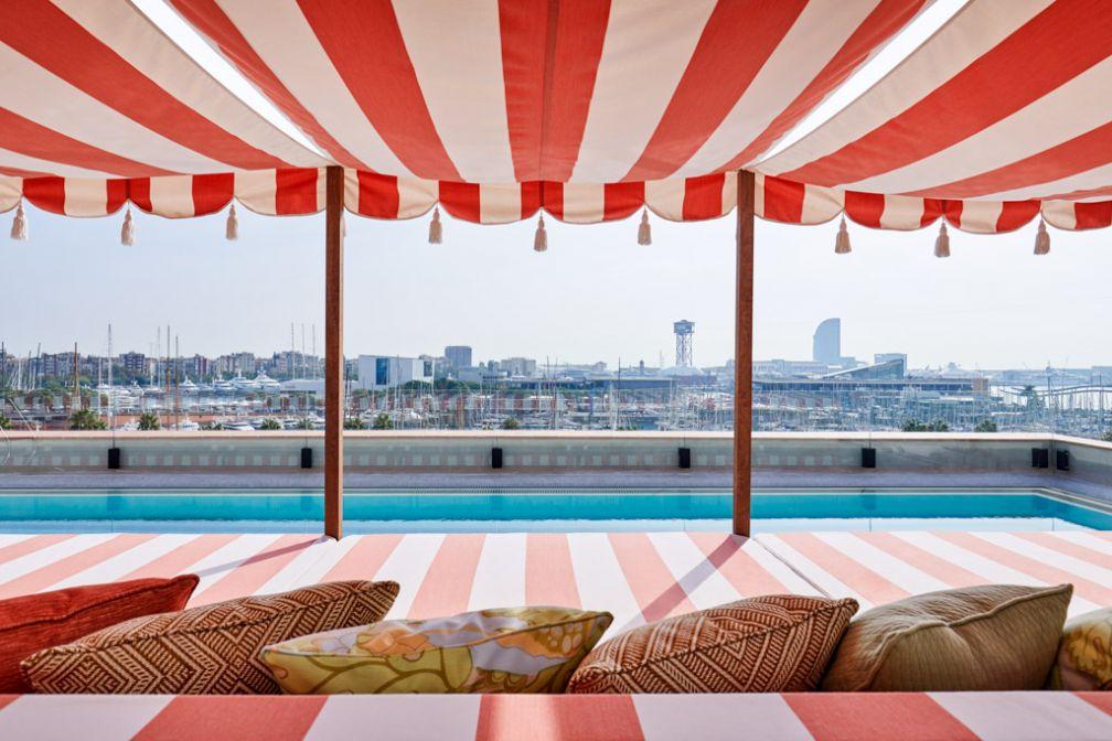 Sur le rooftop du Soho House Barcelona, on retrouve une piscine. Exactement comme à Berlin ou Istanbul © Soho House