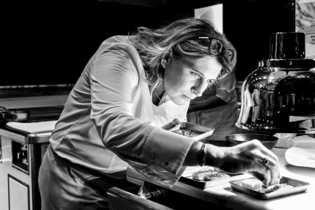 En cuisine : Stéphanie Le Quellec dans le feu de l'action © DR