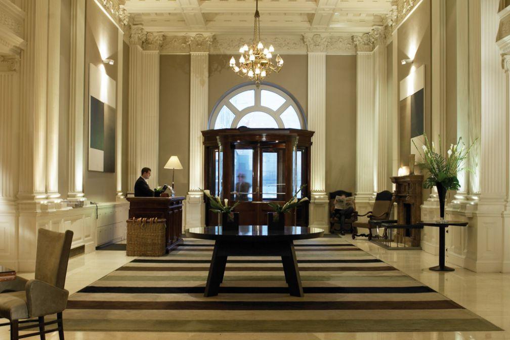 Le chaleureux lobby du Balmoral © Rocco Forte Hotel