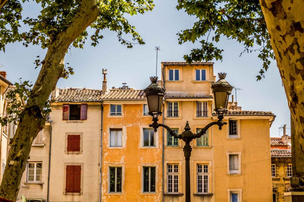 Façades colorées dans le centre d'Aix-en-Provence © Gerald Villena – stock.adobe.com