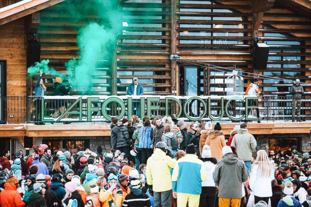 L'ouverture d'un après-ski signé La Folie Douce change le visage de la station. © Oliver Godbold Photo