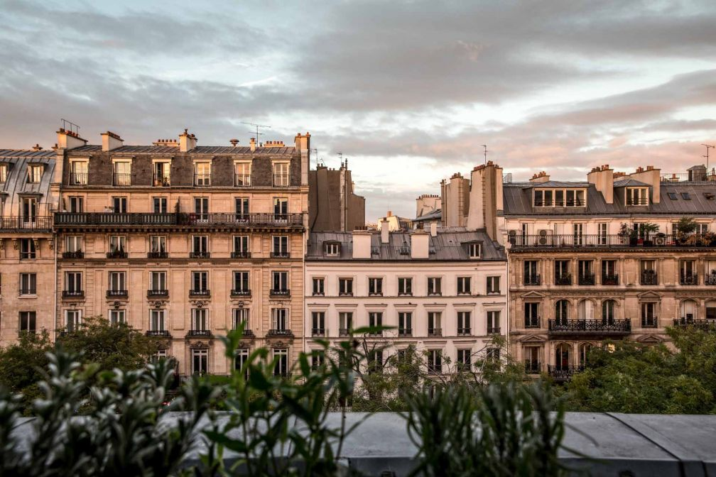 Vue les Grands Boulevards depuis l'hôtel, situé en retrait de l'agitation du boulevard © Karel Balas