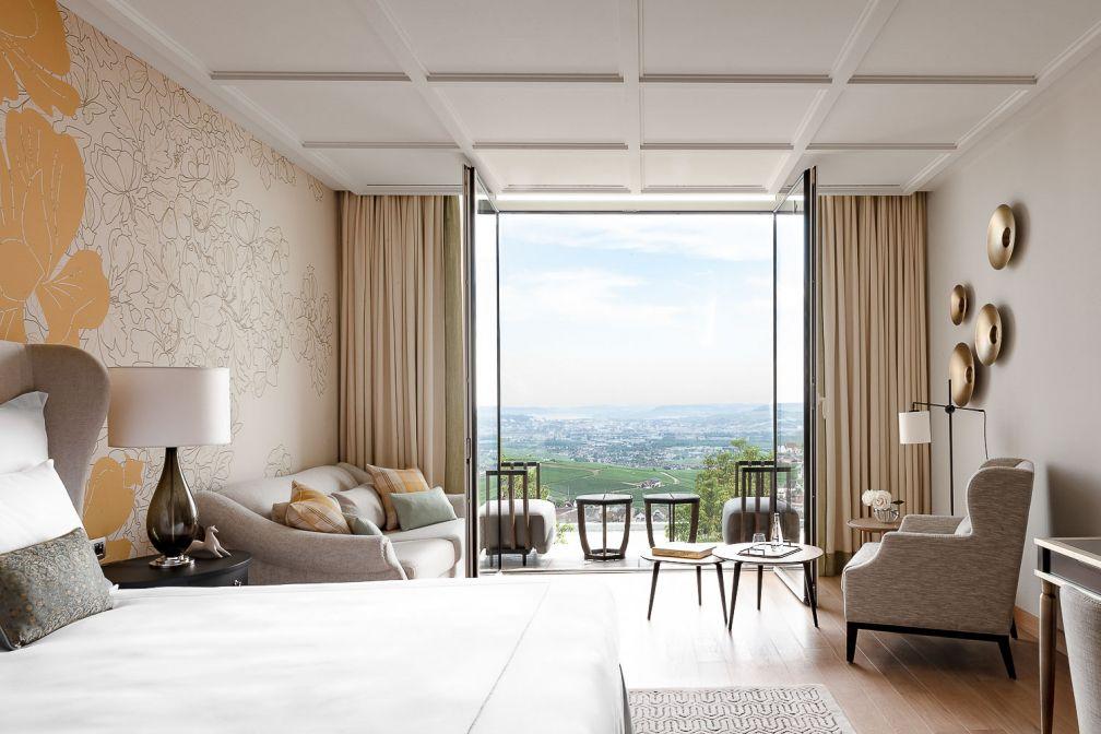 L'une des particularités de l'hôtel est en effet d'être entièrement tourné vers le paysage des coteaux de Champagne © MR. TRIPPER