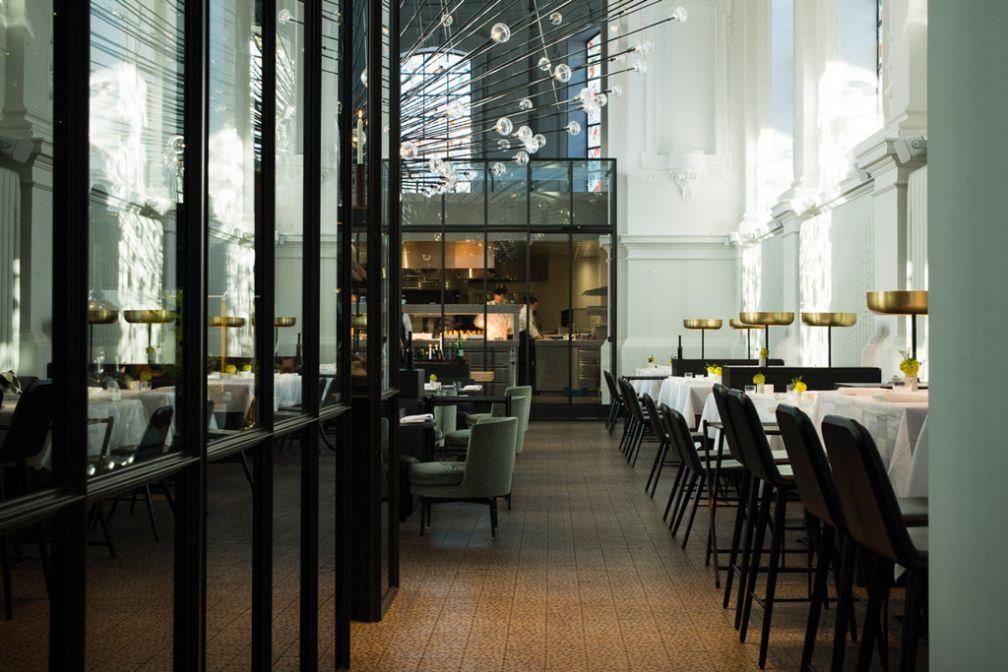 À l'intérieur de The Jane, LE restaurant le plus tendance d'Anvers, installé dans une ancienne chapelle © The Jane