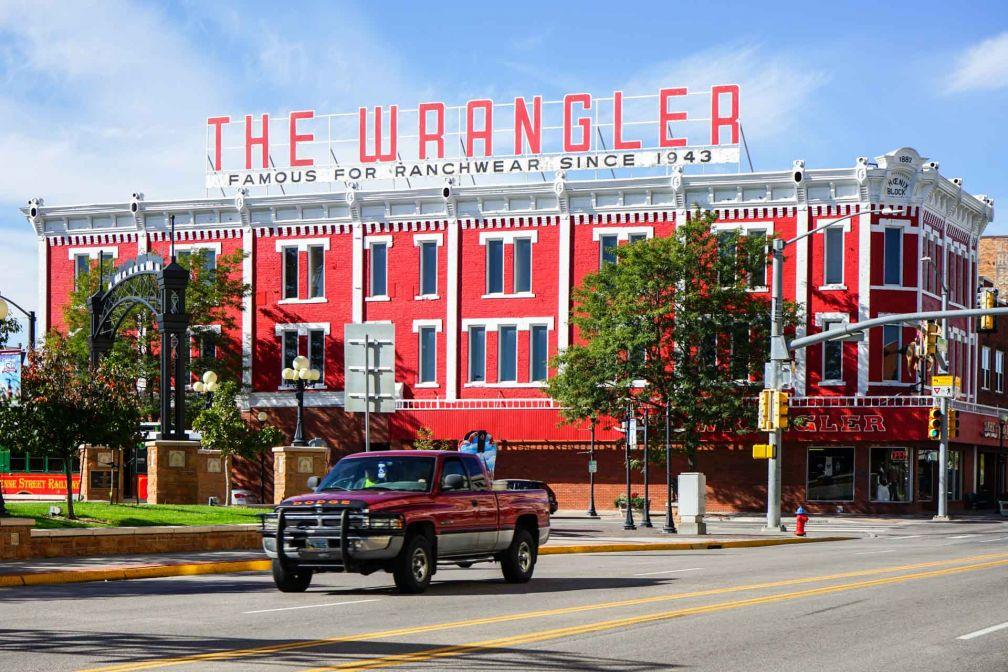 The Wrangler à Cheyenne, la capitale de l'état, est une institution. Les véritables cow-boys viennent y acheter leurs tenues de travail.