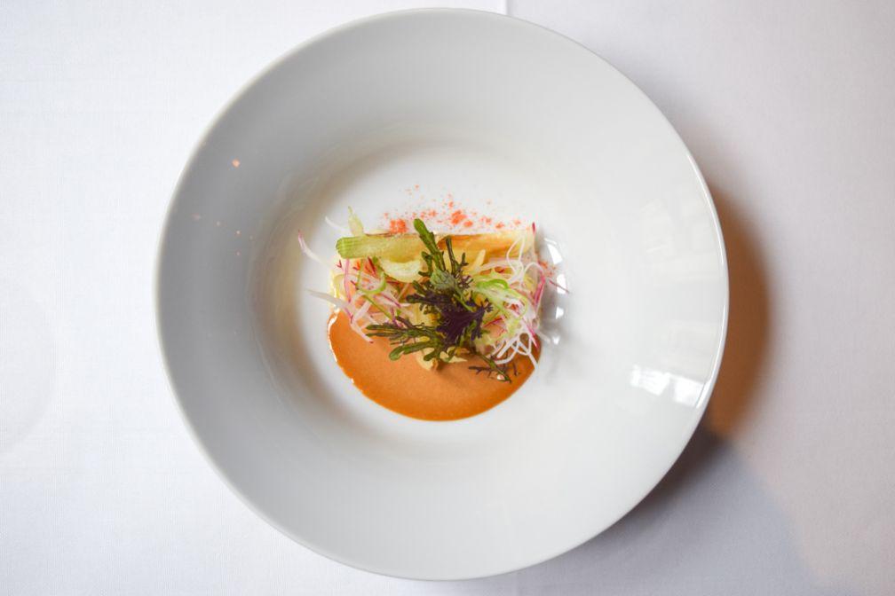 Ravioles de langoustines, julienne de radis, sauce siam © Yonder.fr