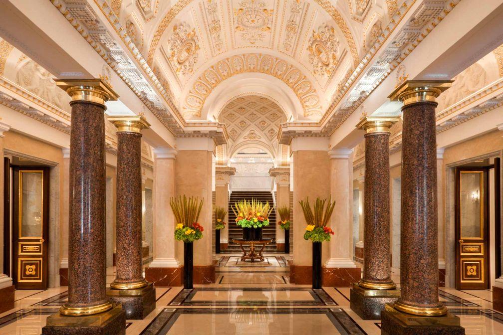 Le fastueux lobby démontre le niveau de minutie de la restauration© Four Seasons