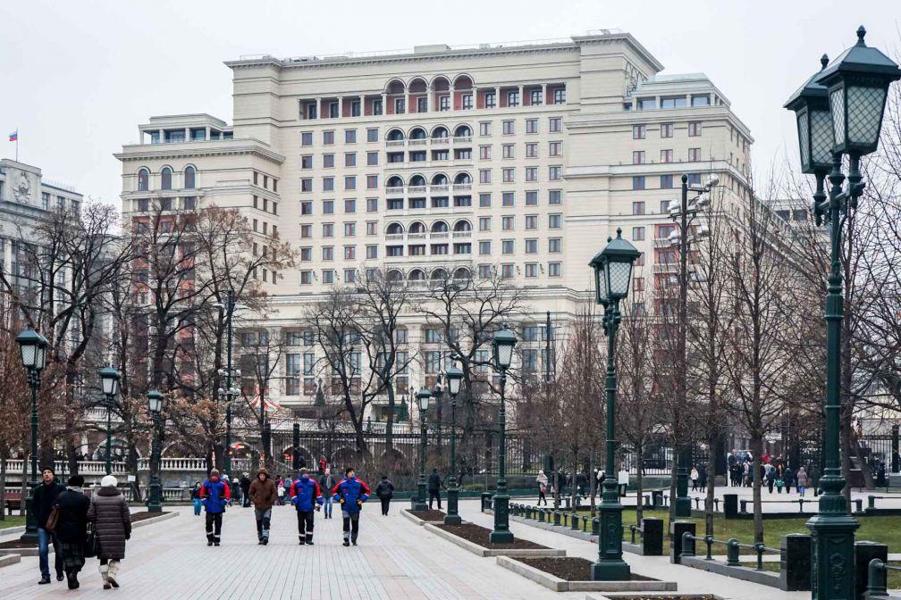 La façade originelle de l'Hotel Moskva, y compris son asymétrie, a été reconstruite à l'identique © YONDER.fr