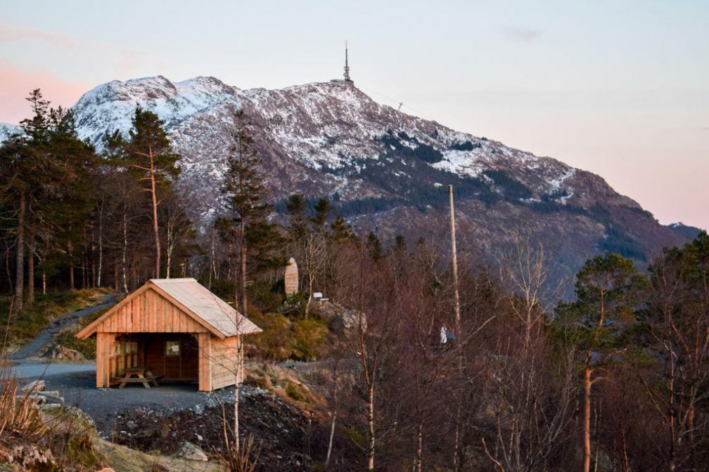 Il est possible de faire des promenades, à pied ou en ski de fond, depuis les hauteurs du mont Fløyen © YONDER.fr