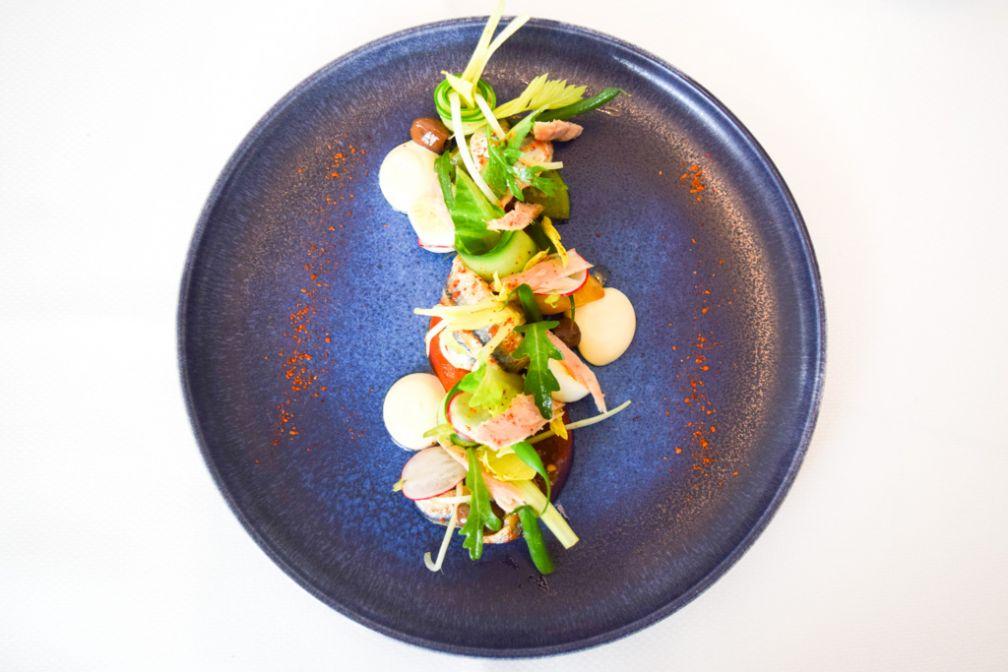 Salade niçoise revistée par Damien Leroux dans le cadre du Menu Méditerranée © Yonder.fr