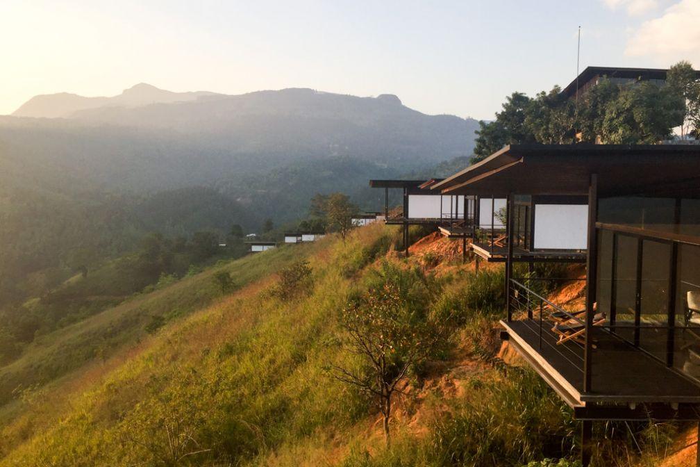 Toutes les chambres, installées dans des pavillons, offrent des vues sur le paysage environnant © Constance Lugger