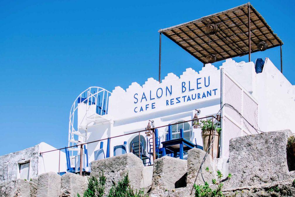 Le Salon Bleu trône sur les murailles de Tanger, offre un panorama unique sur la ville de Tanger © Alix Laplanche