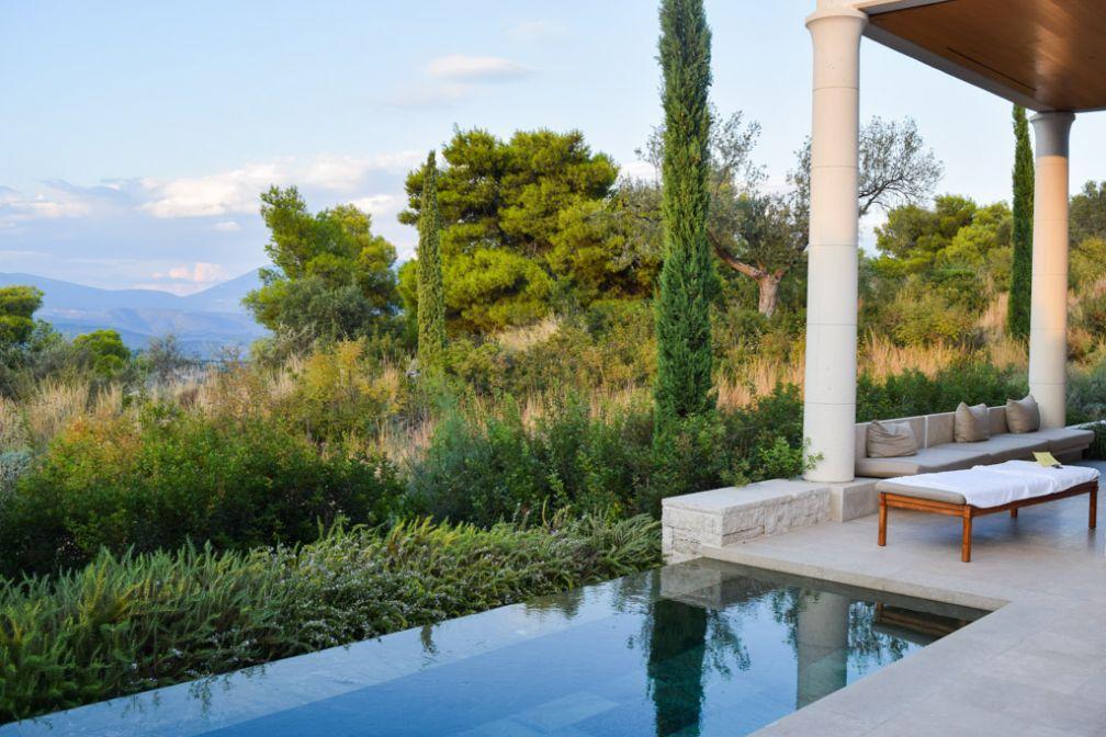 Vue depuis l'un des Pavillons avec piscine privative © Yonder.fr
