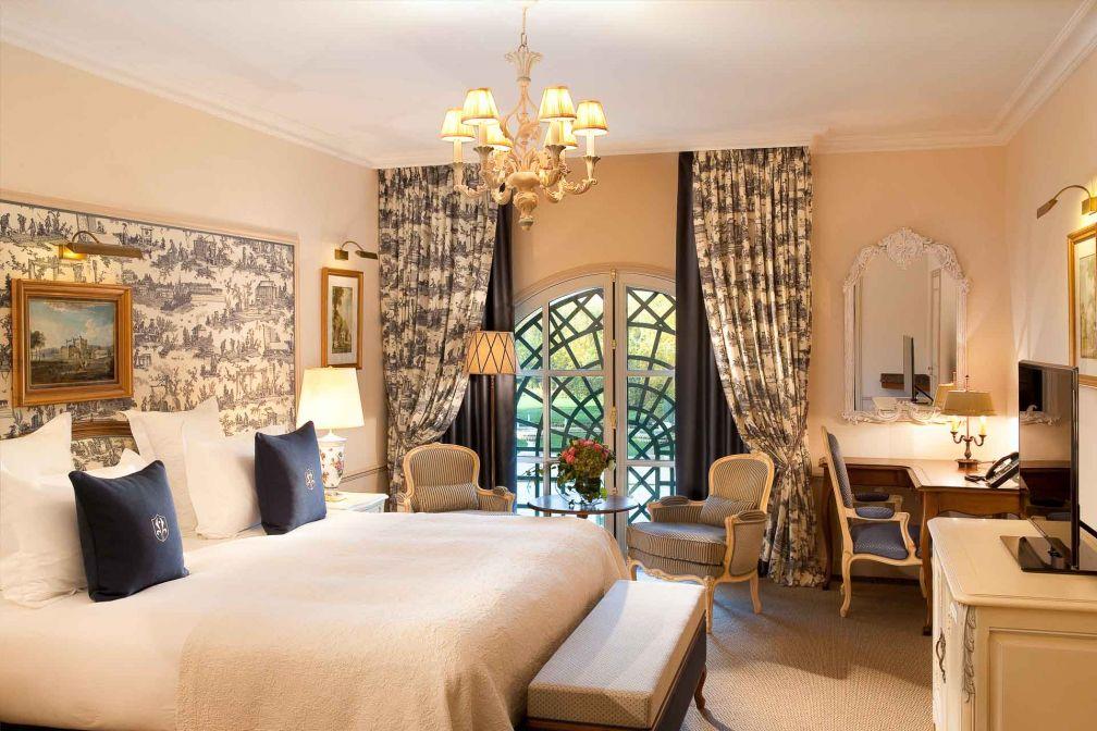 Les 67 chambres et 25 suites de l'hôtel sont majoritairement tournées vers les jardins et le parc © DR