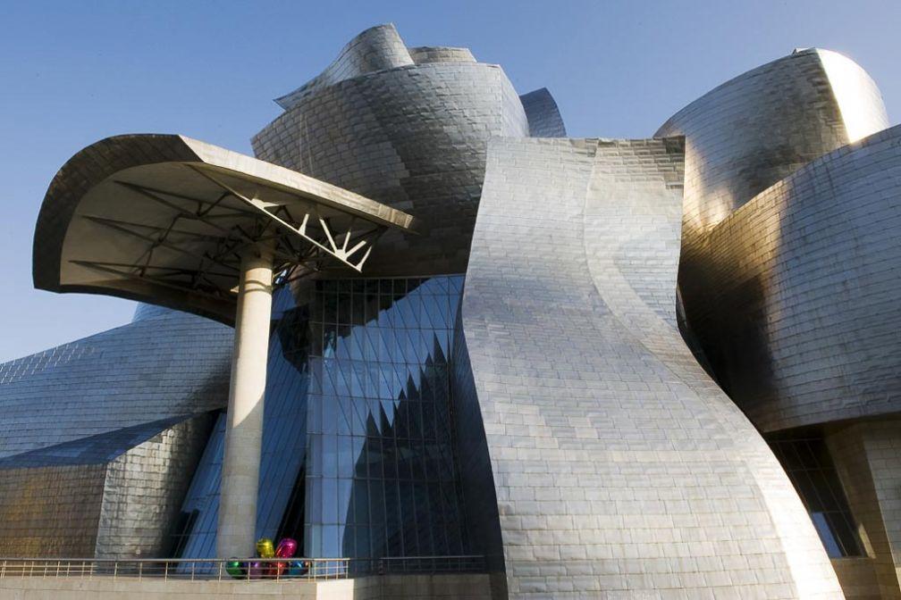 L'architecture hors-norme de l'iconique Musée Guggenheim de Bilbao © Guggenheim Bilbao