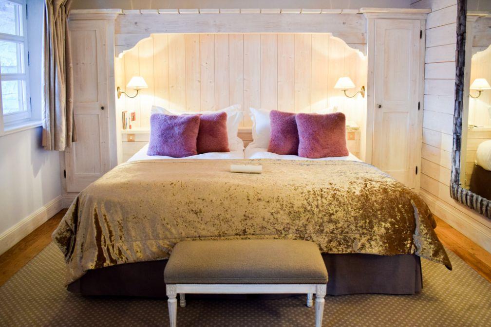 Esprit scandinave dans les chambres et suites du premier étage © YONDER.fr