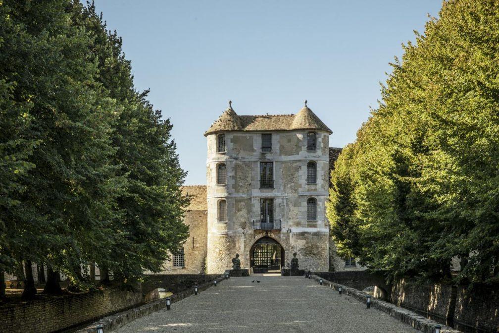 L'arrivée au Château de Villiers-le-Mahieu donne le ton © Karel Balas